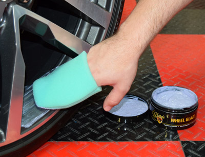 McKee's 37 Wheel Glaze is a hi-tech synthetic sealant for your wheels!