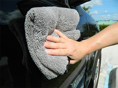 The Shine and Buff Waterless Wash Towel is thick enough to trap dirt and dust particles
