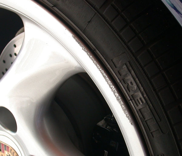 wheel scuff repair on alloy wheels how to guide. Black Bedroom Furniture Sets. Home Design Ideas