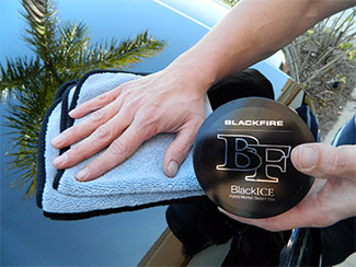 BLACKFIRE BlackICE Hybrid Montan Sealant Wax makes black and dark colored vehicles look wet
