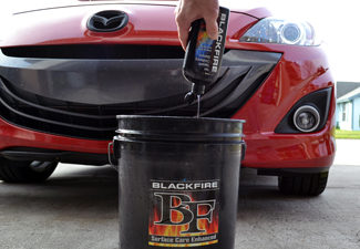 BLACKFIRE Bug & Tar Eliminator is clear coat safe!