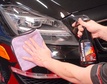 Blackfire All In One All Purpose Cleaner cleans plastics.