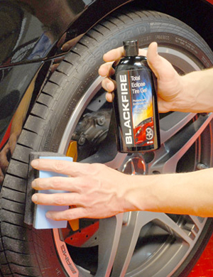 Blackfire Total Eclipse Tire Gel gives tires an natural, satin finish.