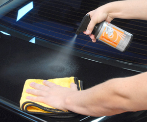 Menzerna Control Cleaner removes polishing oils, revealing the true finish of the surface you just polished.