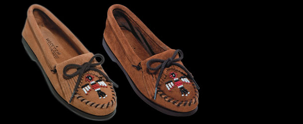 Minnetonka Moccasin Thunderbird Suede Boat Sole