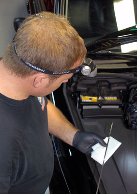 Black Nitrile Gloves protect your hands from grease and solvents.