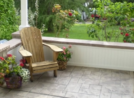 AZEK Brand Beadboard as Wainscotting on Porch