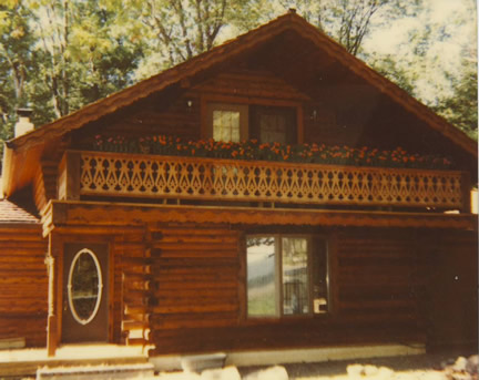 Example of Rustic Exterior (Porch Photo 133)