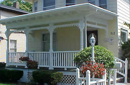 Example of 2-story four square (Porch Photo 152)