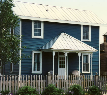 Example of 2-story with gabled ends (Porch Photo 69)