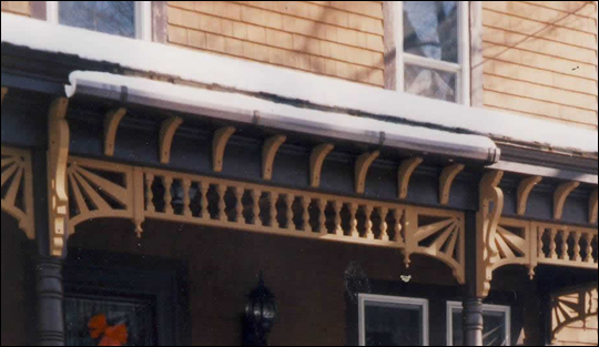 FRONT PORCH - Close-up