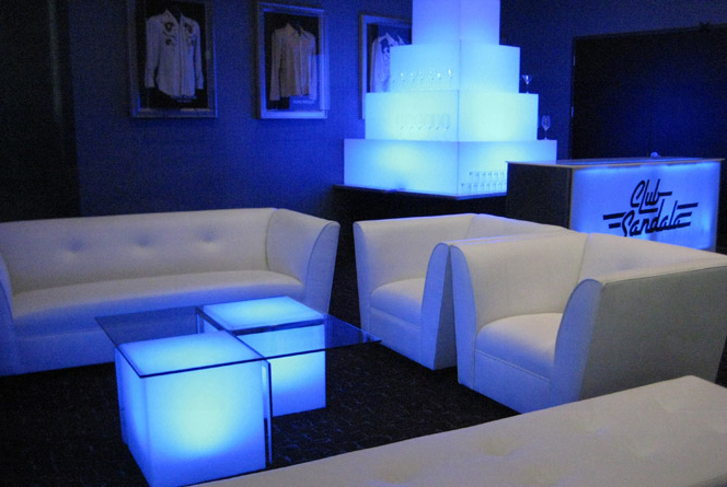 Exceptional Nightclub Furniture Installation At Famous Bar
