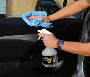 Hi-Intensity APC Plus can be used to clean vinyl dashboards