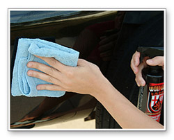 Wolfgang Instant Detail Spritz is a water-based detailer, built around the polymer structure of Wolfgang Deep Gloss Paint Sealant 3.0.